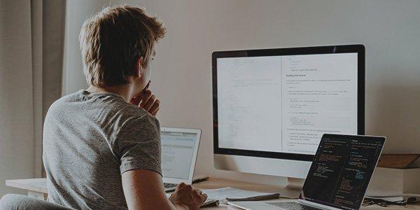 Inteligência Artificial no ambiente de trabalho: o futuro da comunicação empresarial